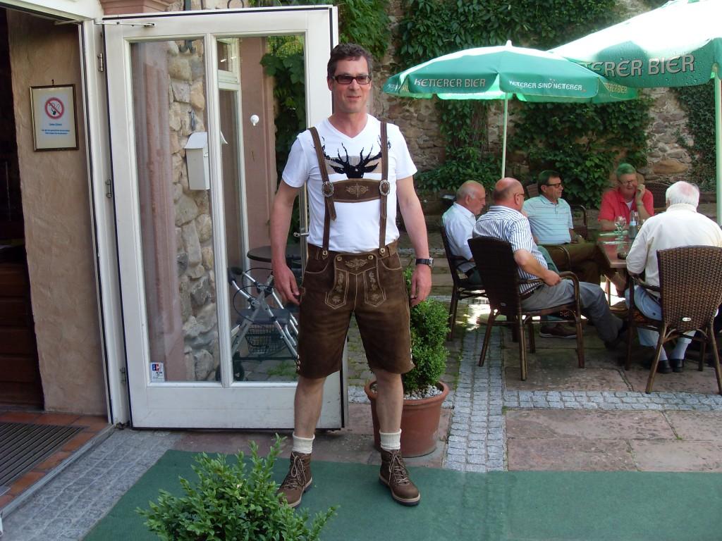 Norbert im Senioren-Outfit